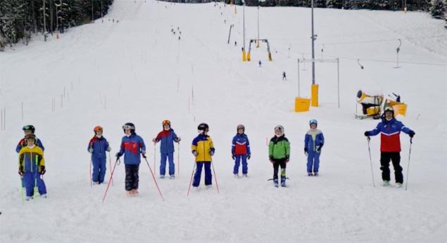 Kinder am Christa-Kinshofer-Skizentrum